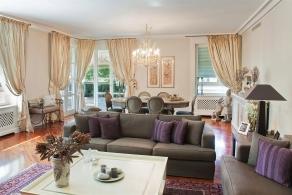 Appartamento di lusso con terrazzo in vendita a Milano