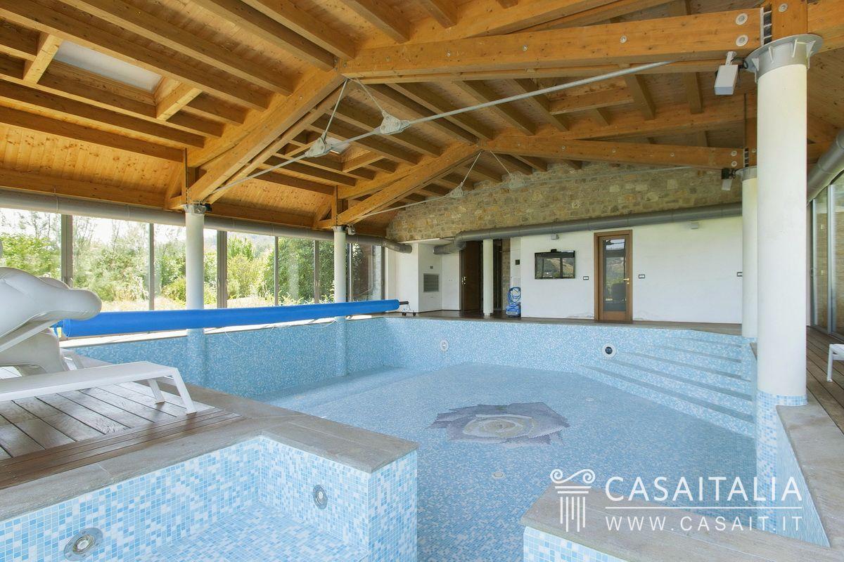 Villa Con Piscina In Vendita Sulle Colline Emiliane