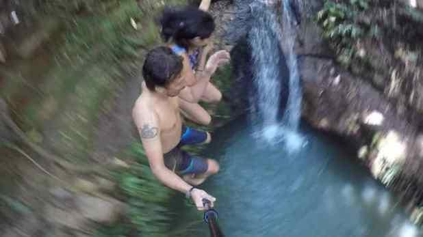Pulo Clássico na Cachoeira
