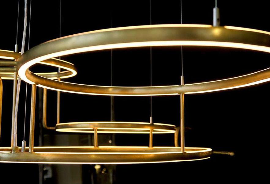 ceiling lighting sculpture broche von