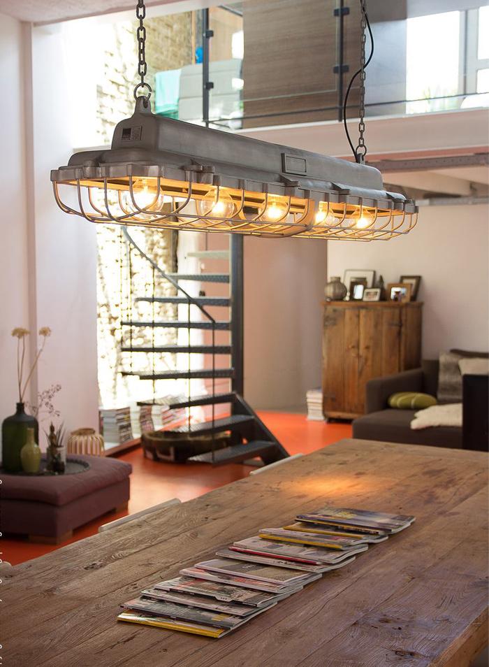 Lange FabrikHngelampe LOAD fr Tische und Theken  Casa Lumi