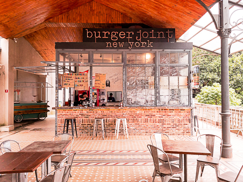 Fachada do Burger Joint Cristo Redentor