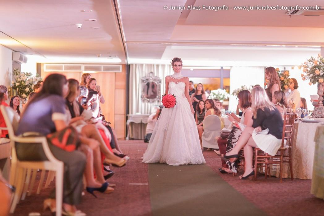 Noiva de Solange Sahdo; produção Mulher Cheirosa; adereço Jomara Cid. Foto: Júnior Alves.