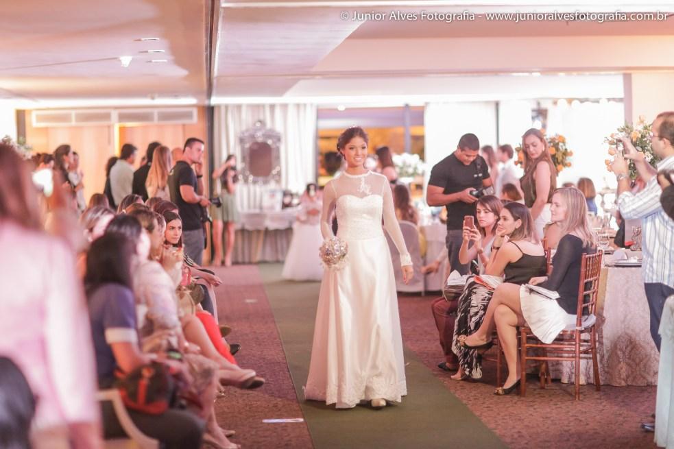 Noiva de Atelier Karla Lourenço e produção Mulher Cheirosa. Foto: Júnior Alves.