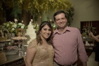 Natália Teixeira e Aroldo Euclides, sócio diretor do Alice's Buffet. Foto: Clécio Albuquerque