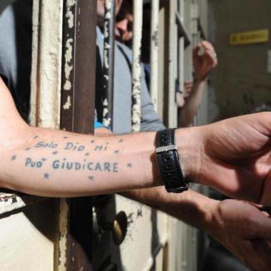 Carceri nascosti 14 cellulari ragù