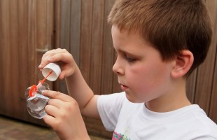 Quines son les causes principals de la dermatitis de contacte?
