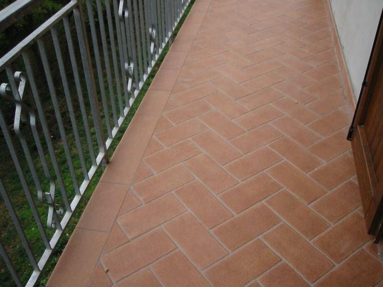 I pavimenti per balconi  Pavimento da esterni  Come scegliere i pavimenti per balconi