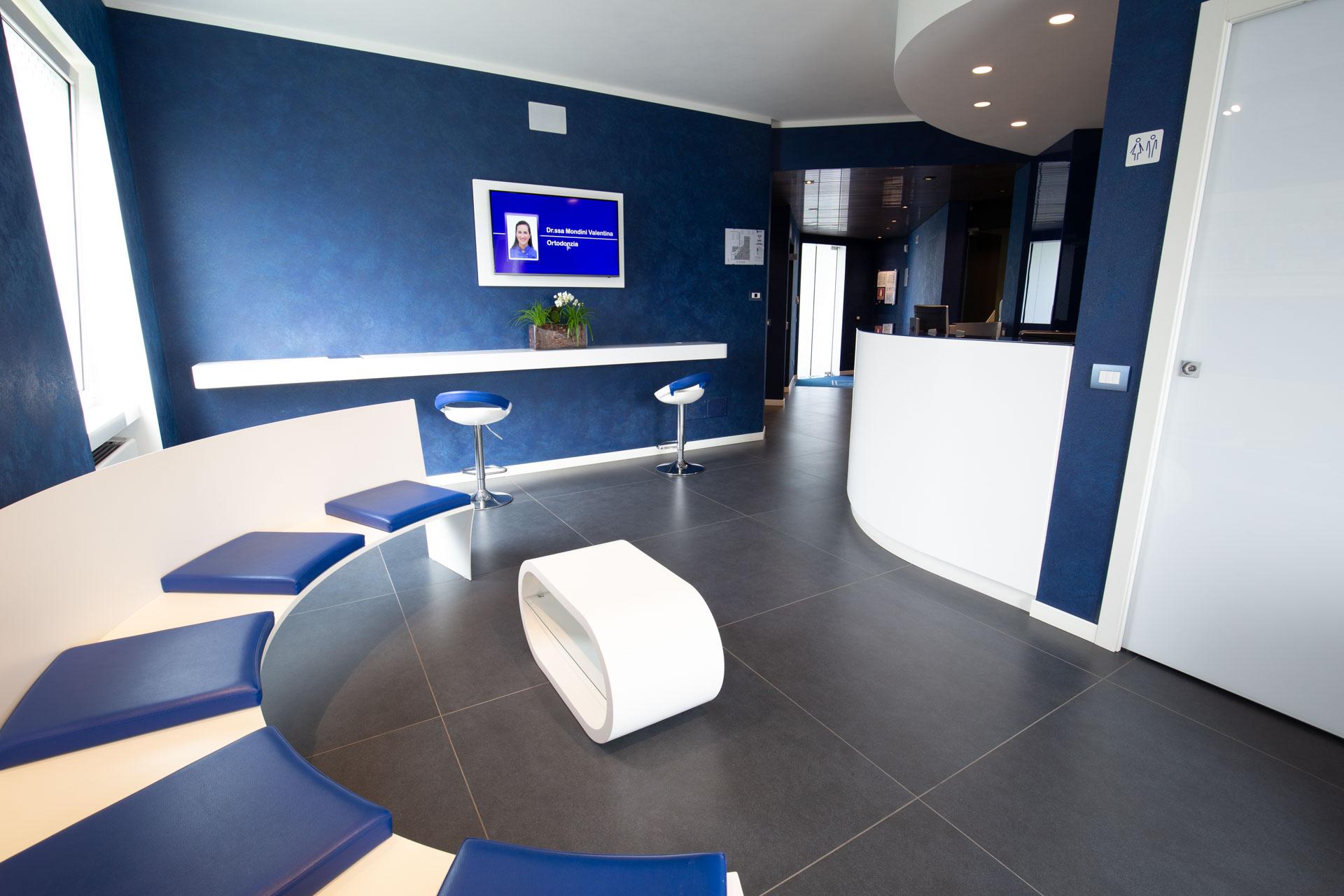 Proetti di arredamento di interni portifolio arquitetura,. Progetto Sala D Attesa Studio Dentistico Casarotto Design