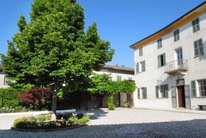 Casarovelli interior courty