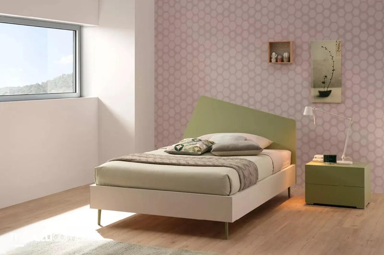 Cameretta in legno con divano letto mc010   cameretta. Letto Con Testiera Moderna Sc122 Di Moretti Compact
