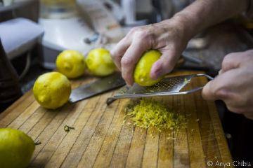 grating-lemons-casasaltshaker