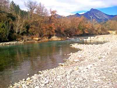 Campo Huesca Valle Benasque Pirineo Aragons turismo rural