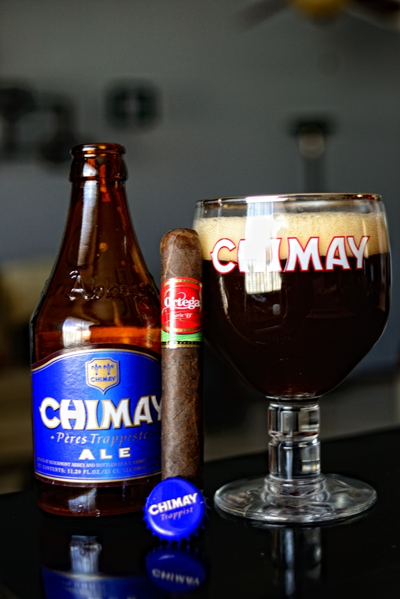 "Ortega Serie ""D"" with some Chimay Blue Grand Reserve"