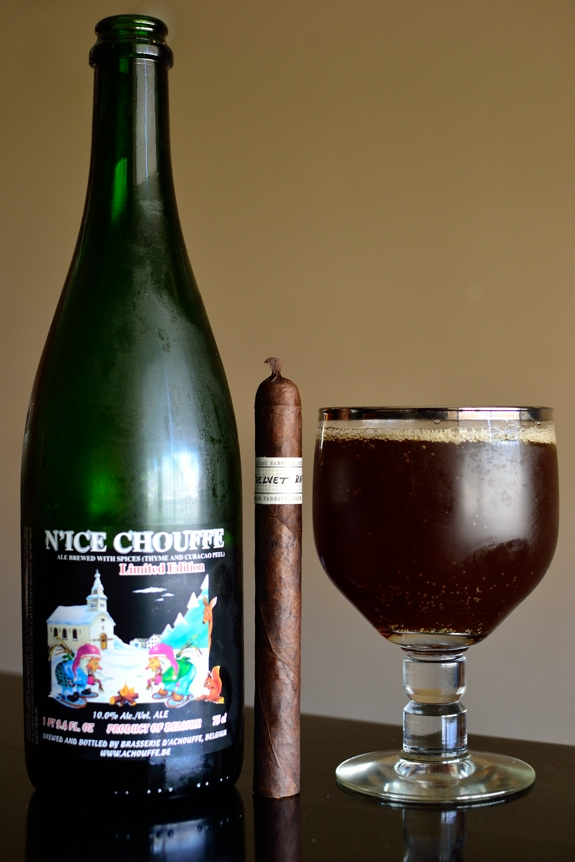 Liga Privada Velvet Rat with a Ni'Ice Chouffe