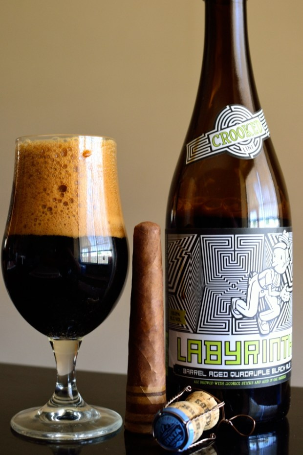 RoMa Craft La Campana de Panama Soberana with Uinta Labyrinth