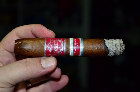 Regius Exclusivo U.S.A. Red Label Pressed Perfecto