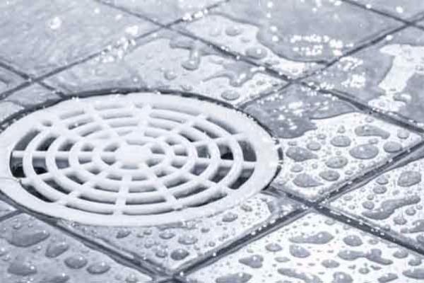 To έξυπνο κόλπο για να ξεβουλώσετε τα σιφόνια στο μπάνιο σας