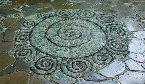 Δημιουργούν φανταστικά έργα με απλές πέτρες !