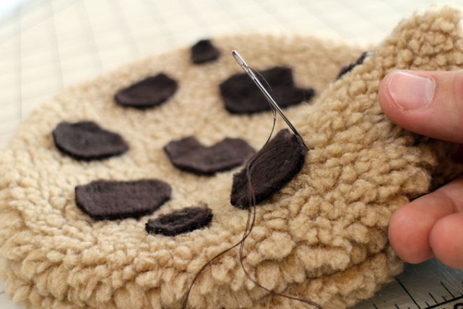 sewing-cookie-monster-pillow