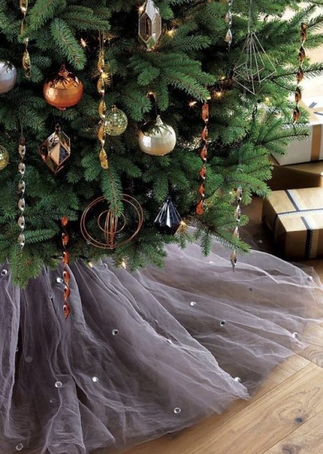 misty-tree-skirt