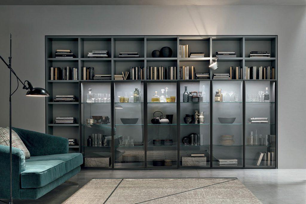 Libreria modulare A053 con elementi vetrina illuminati a