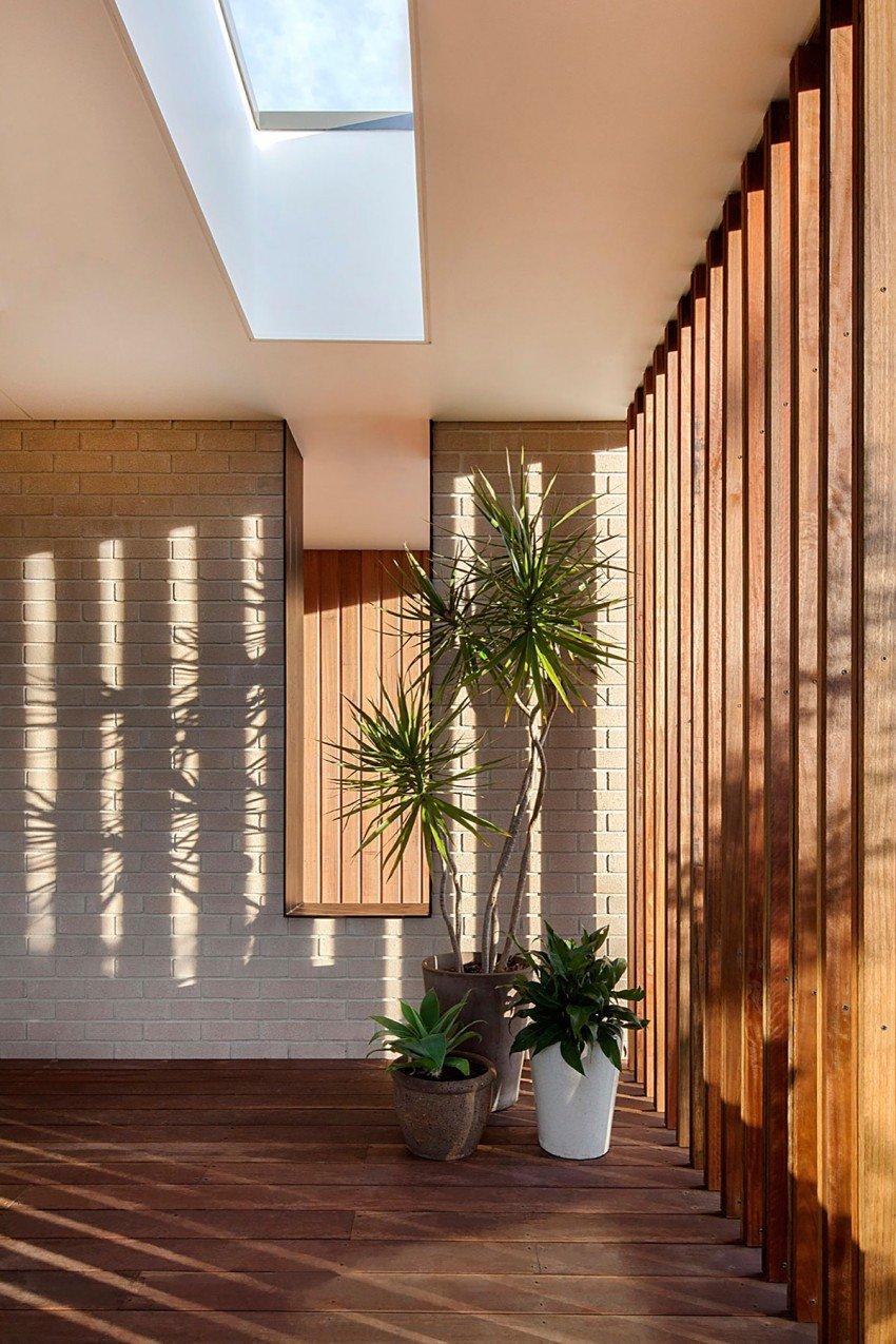Fachada de madera y cristal en una Casa moderna de AustraliaCasas y Fachadas