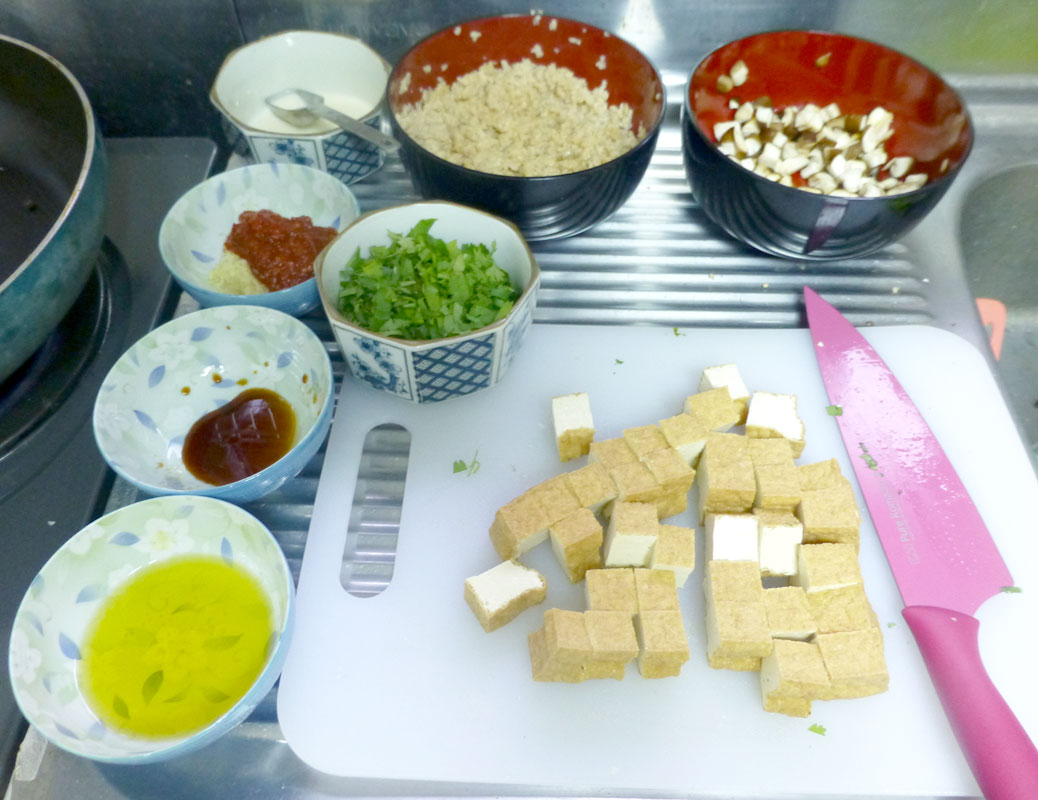 Prepared ingredients for mapo tofu