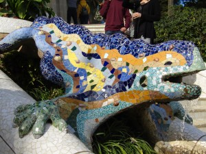 The salamander statue on the Dragon's Stairway at Park Güell.