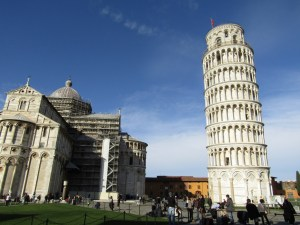 "From this angle, the ""banana curve"" of the tower can be seen. The original builders attempted to compensate for the tilted base by curving the remaining tiers."