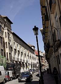 En la calle Predicadores la excesiva velocidad de los vehículos produce mucha contaminación sonora.