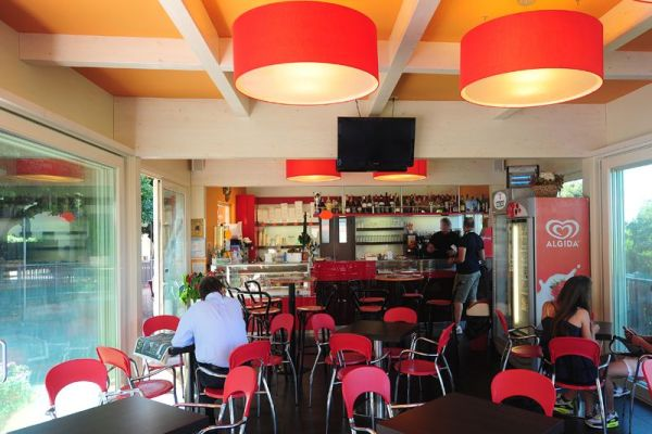 Bar in legno - 01