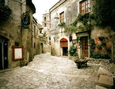 Speciale il borgo medioevale di Casertavecchia