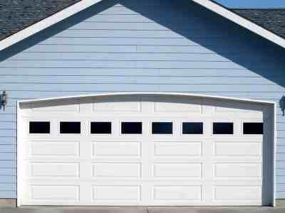 garage doors in Dandenong
