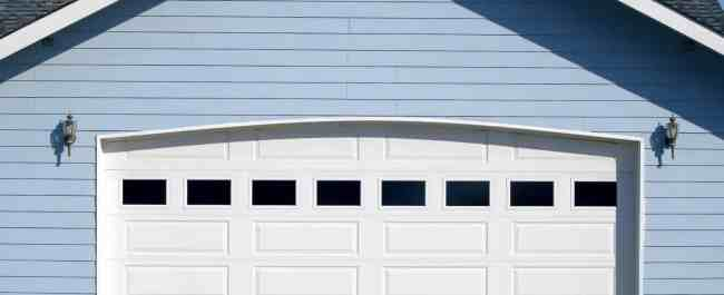 garage doors in Dandenong