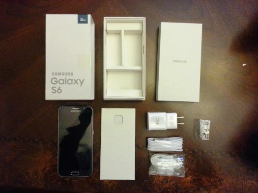 Casey Palmer x TELUS Present — Life in the Six with the Galaxy S6! — What's in the Samsung Galaxy S6 Box
