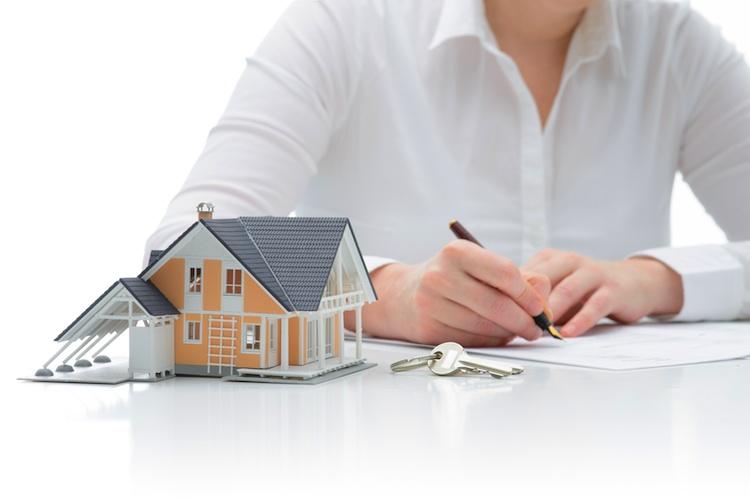 Baufinanzierung Shutterstock Gro 1740395422 in Immobilienkredite: Neun von zehn Widerrufsklauseln fehlerhaft