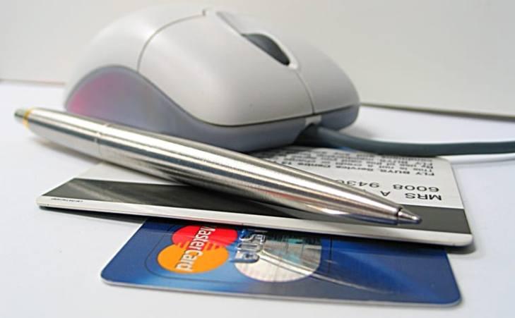 การโอนหนี้บัตรเครดิต รีไฟแนนซ์บัตรเครดิต