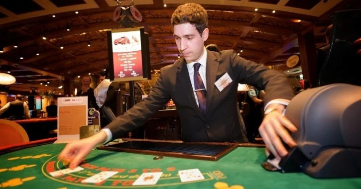 Win blackjack with basic strategy