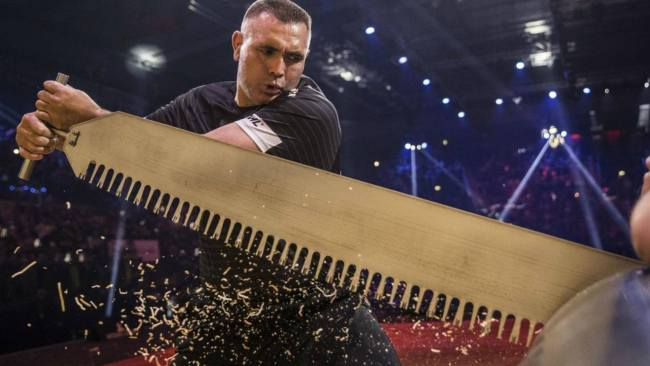 player trying to win at the lumberjack championships