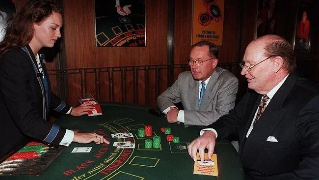 Kerry Packer playing blackjack at a casino