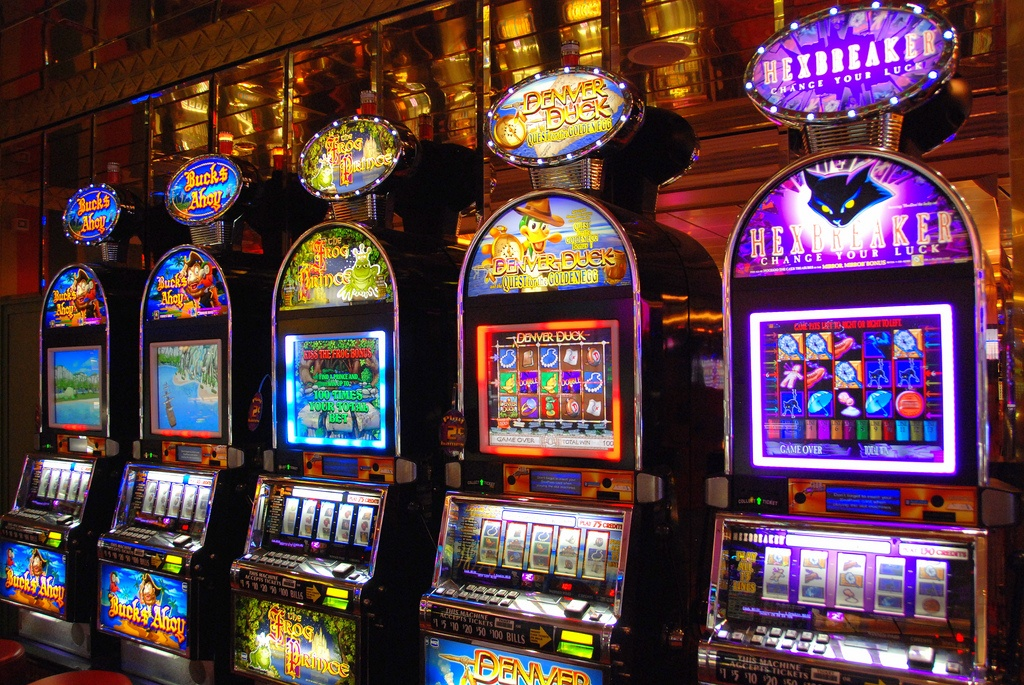 How to scam slot machines negreanu poker tips