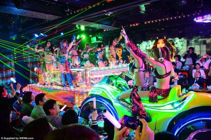 Vibrant nightlife in Tokyo