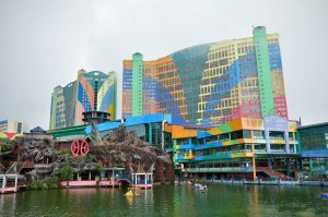 Featuring a wide array of entertainment options and one of the world's biggest hotels, the Genting Highlands is a dream for any gambler with a family.