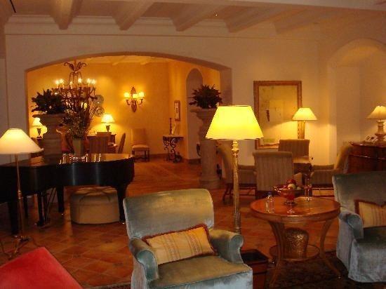 Inside MGM Mansion