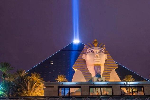 luxor beam in Vegas shinning into night sky