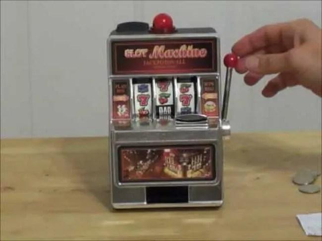 Slot-Machine-Piggy-Bank
