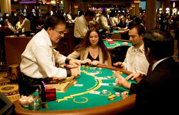 Random Events in Gambling and Casino Games