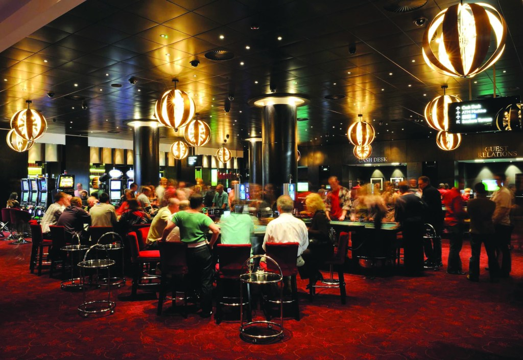 Experience poker in the fantastic atmosphere of Aspers Casino