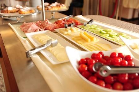 Restaurant Carat breakfast tomato